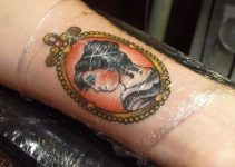 Aftercare Guide: How Long To Keep Tattoo Wrapped In Cling Film?