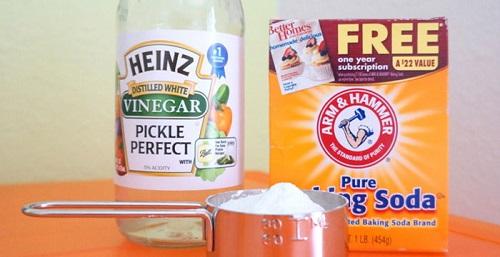 Baking-soda-and-vinegar