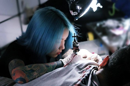 how-to-get-tatto- ink-out-of-clothes